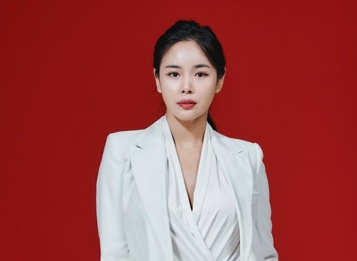 조정민, 샴푸 모델 발탁…제주네이처와...
